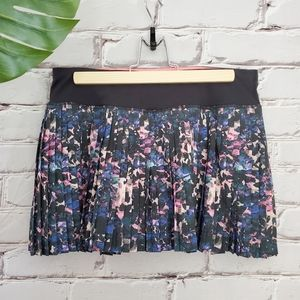 Lululemon Pleat to Street Floral Backdrop Multi